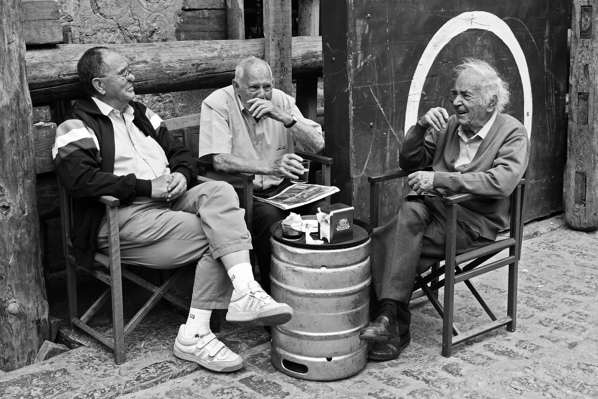 El compromís social que aporten les persones grans